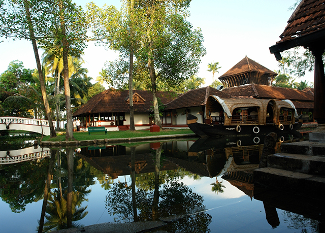 Kerala multi-centre holiday, Cochin, Thekaddy, Kumarakom & Mararikulam, India - save 33%
