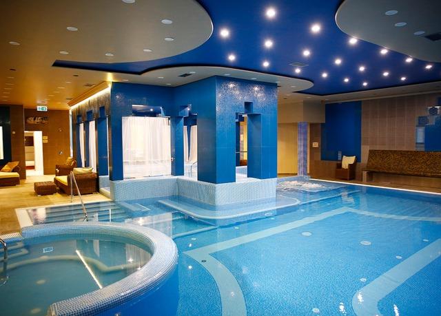 Golden Ball Club Hotel  Wellness & SPA ****, Győr, Maďarsko - save 32%