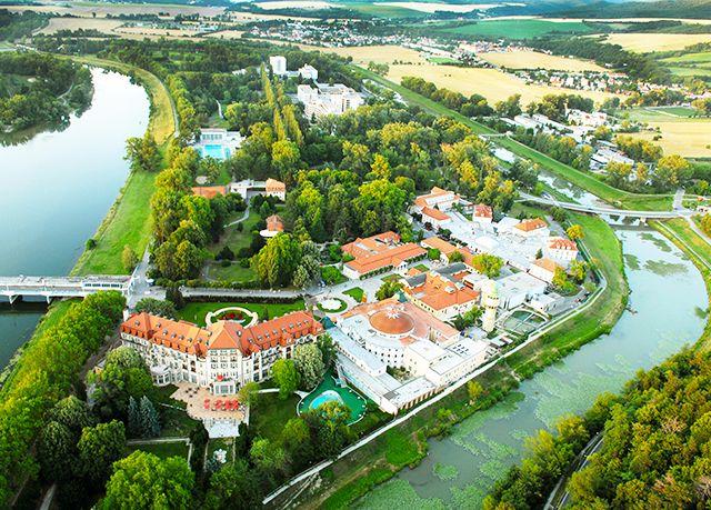 Danubius Health Spa Hotel Splendid ***, Piešťany, Slovensko - save 36%
