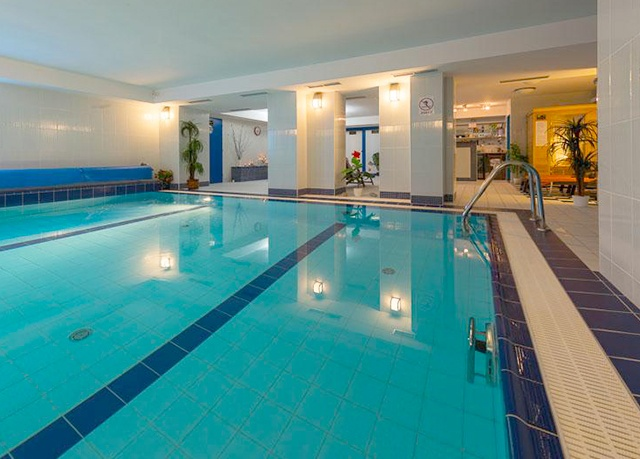 Hotel Tommy Congress and Relax Center***, Náchod-Babí - save 43%