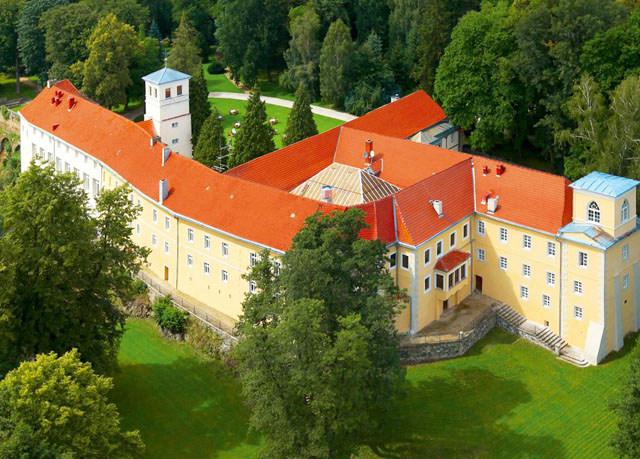 Hotel Zamek na Skale****, Trzebieszowice, Kladská kotlina, Polsko - save 56%