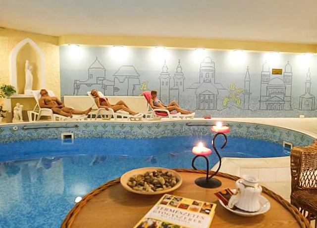 Hotel Korona****, Eger, Maďarsko - save 46%