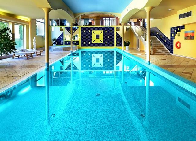 Top Hotel Praha****, Praha - save 47%