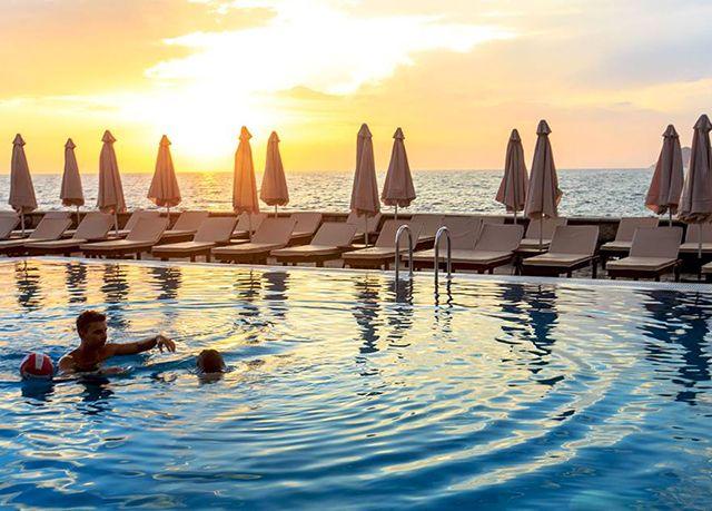 Wind Rose Resort by Karisma****, Bar, Černá Hora - save 56%