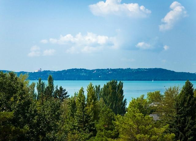 Hotel Holiday Balaton, Csopak, Maďarsko - save 17%
