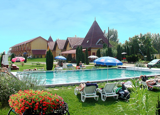Piknik Holiday Village, Siófok, Balaton, Maďarsko - save 39%