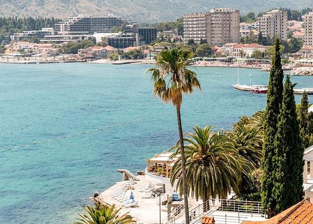 Athos Apartments Herceg Novi****, Herceg Novi, Černá Hora - save 43%